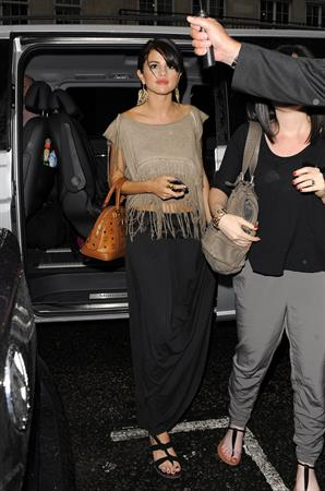 Selena Gomez enjoys a night out at Nobu restaurant in London on July 5, 2011