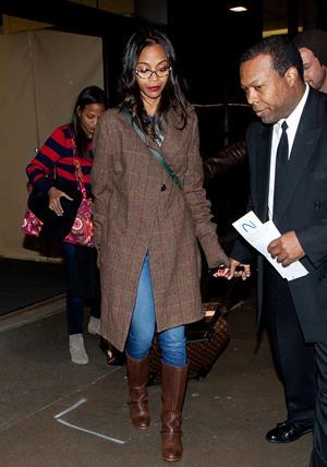 Zoe Saldana arrives at Los Angeles International Airport (05.02.2013)