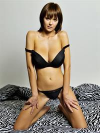 Ala Passtel in lingerie