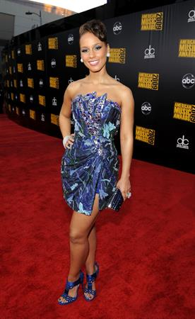 Alicia Keys arrives at the 2009 American Music Awards in Los Angeles