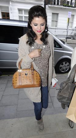 Selena Gomez leaving the Spaghetti House in London on July 6, 2011
