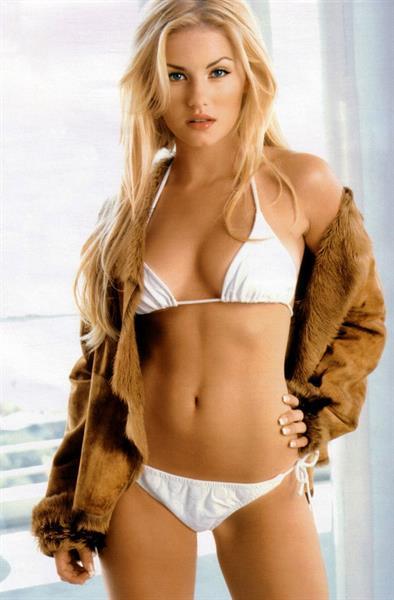 Elisha Cuthbert in a bikini
