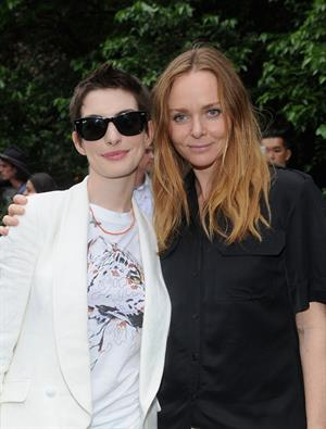 Anne Hathaway Stella McCartney Spring 2012 Presentation Dinner on June 11, 2012