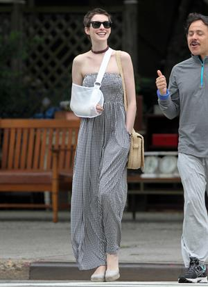 Anne Hathaway out for lunch in Brooklyn New York City on May 30, 2012