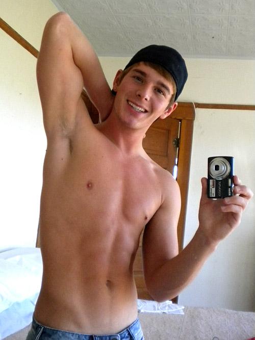 Sean Paul Lockhart taking a selfie