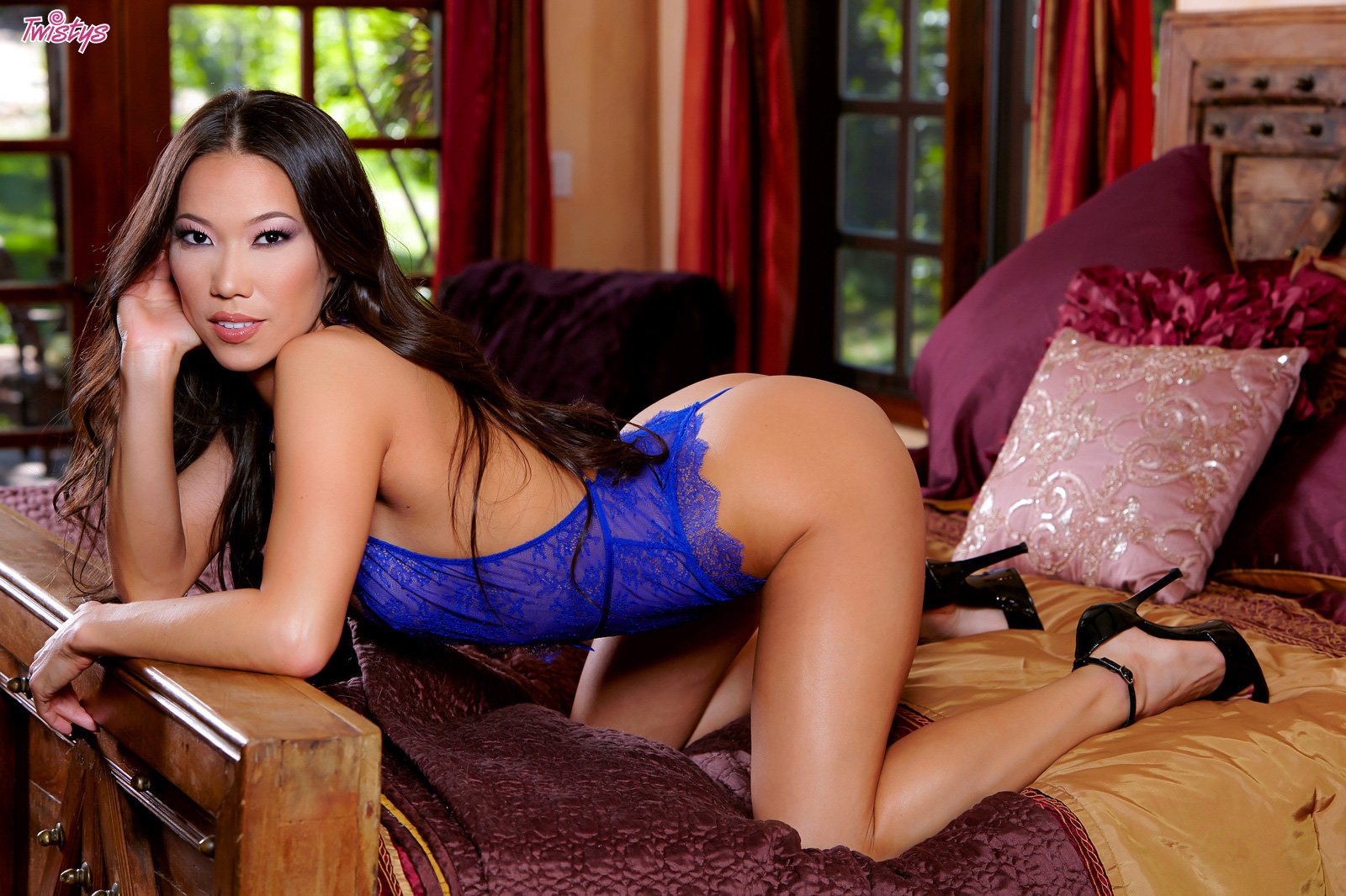 Big Girl Toy.. featuring Kalina Ryu | Twistys.com