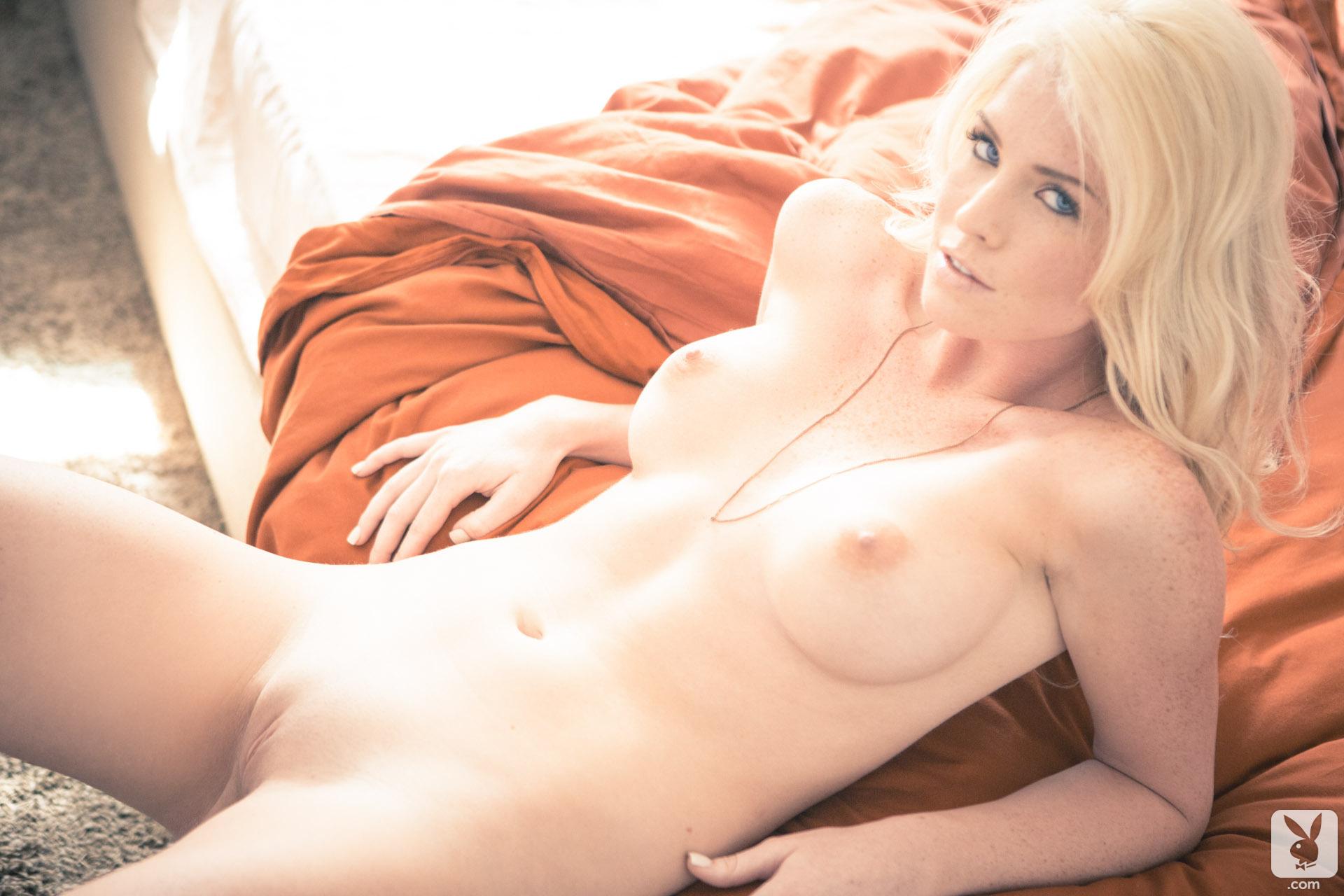 lauren-gottlieb-naked-xxx-naked-girls-pooping