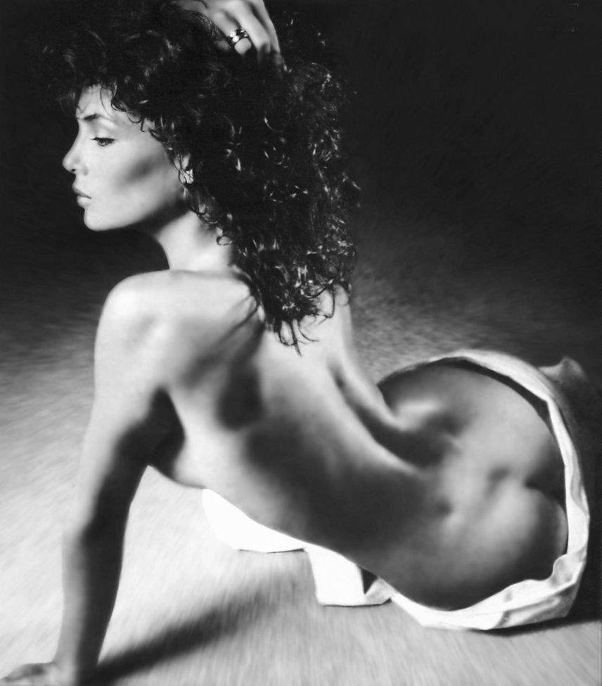 Kelly LeBrock - ass