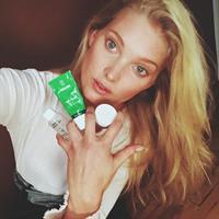 Elsa Hosk taking a selfie