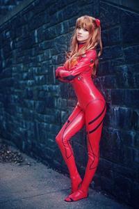 Lyz Brickley - Asuka cosplay