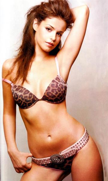 Marta Torné in lingerie