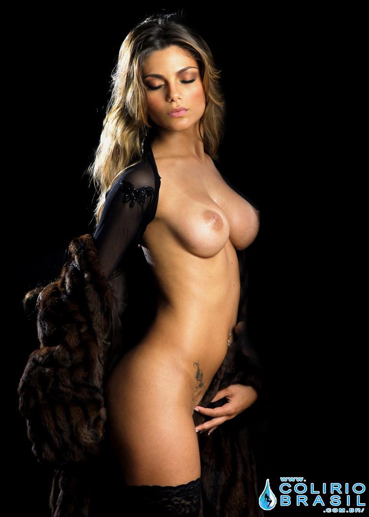 Athletic black woman nude