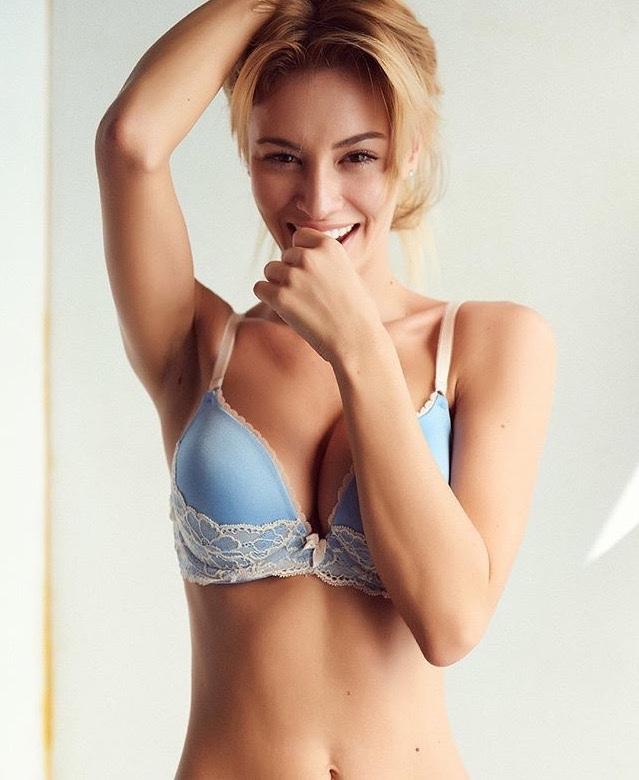 Bryana Holly in lingerie
