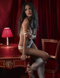 Emanuela de Paula - breasts