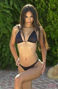 Daniela Gil takes off her black bikini