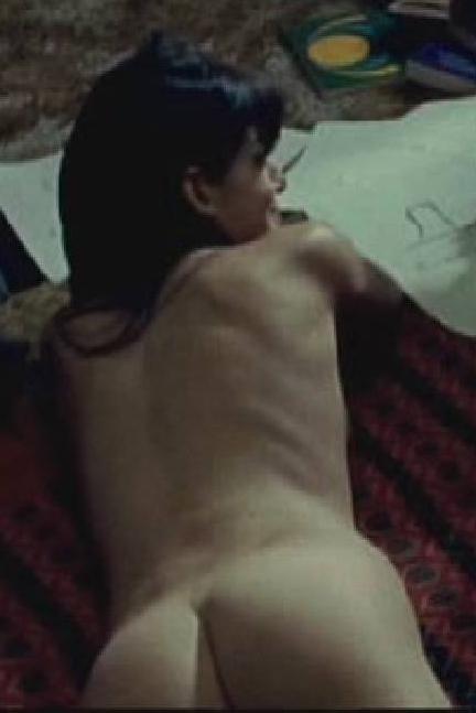 Clara Lago desnuda