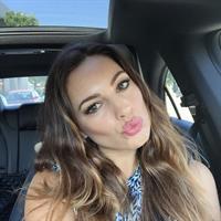 Kelly Brook taking a selfie
