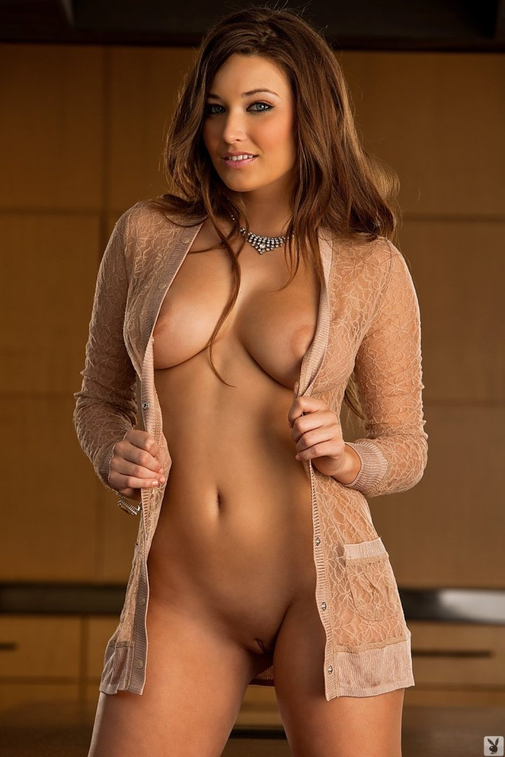 she-hot-and-nude