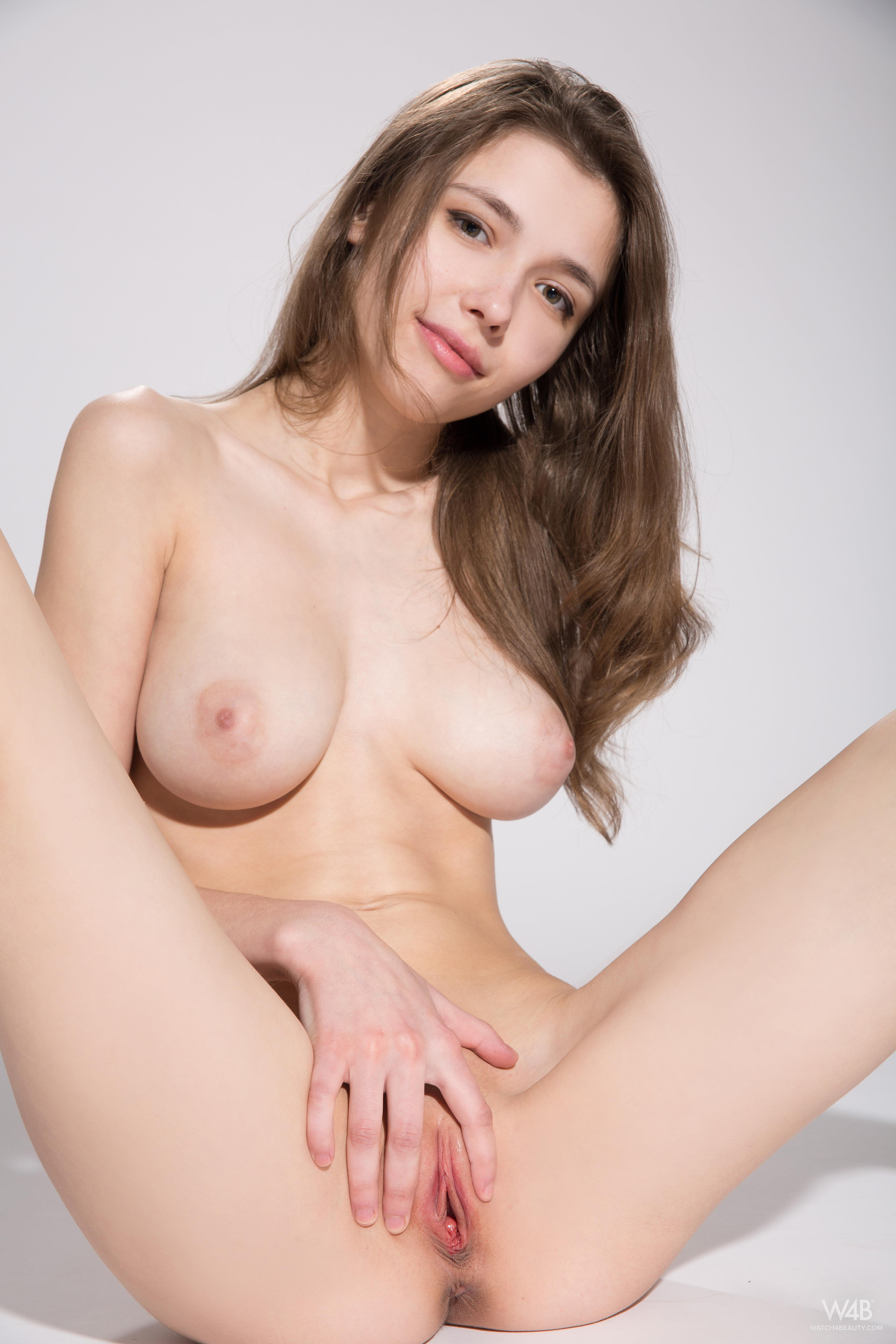 Milla - pussy and nipples