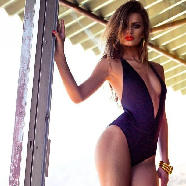 Bregje Heinen in a bikini