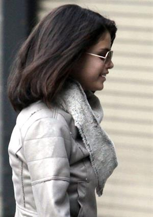 Selena Gomez gets her hair done at Blo in Vancouver on October 14, 2011