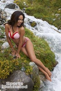 Ariel Meredith in lingerie