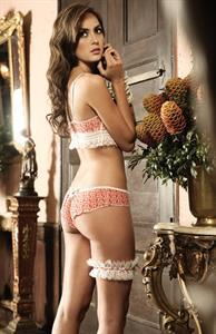 Macri Elena Vélez in lingerie - ass