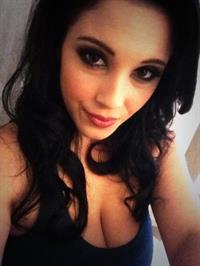 Noelle Easton taking a selfie