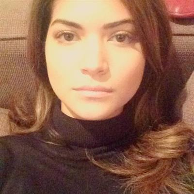 Narissara Nena France taking a selfie