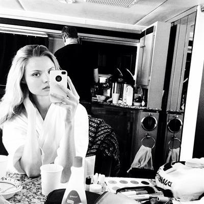 Magdalena Frackowiak taking a selfie