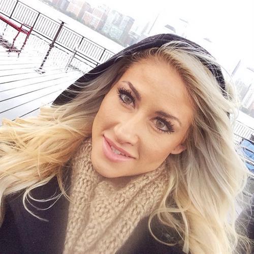 Alexa Jean Brown taking a selfie