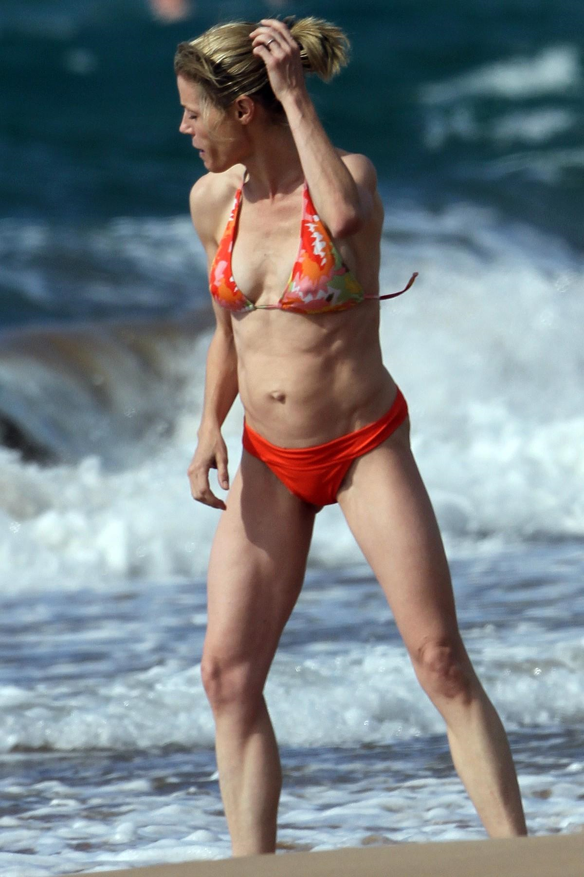 Julie Bowen Topless