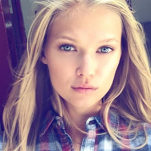 Vita Sidorkina taking a selfie