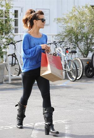 Kate Beckinsale Shopping at Brentwood Country Mart March 20-2013