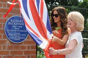 Kate Beckinsale Richard Beckinsale plaque unveiled at College House Junior School in Nottingham July 17-2013