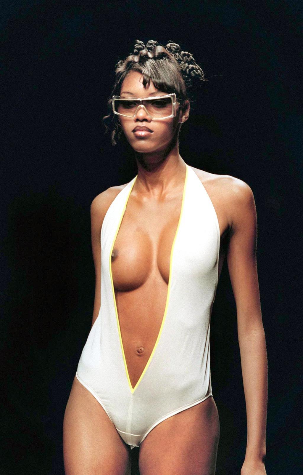 White  nackt Jessica Jessica Biel