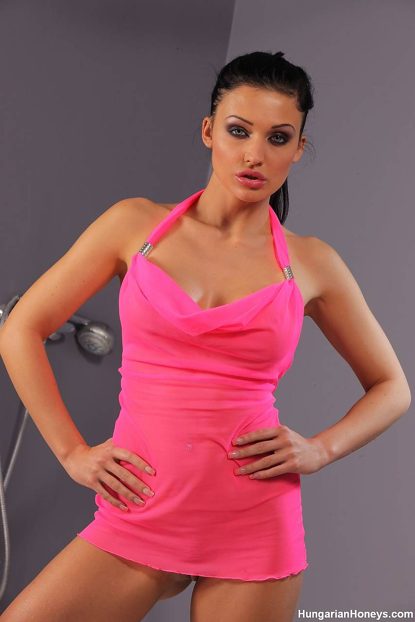 Aletta Ocean Nude - 295 Pictures in an Infinite Scroll