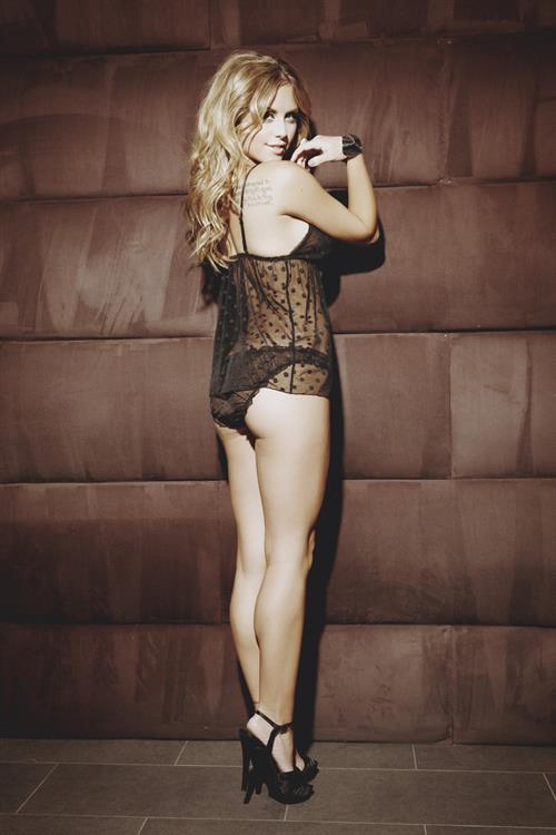 Brittney Palmer in lingerie - ass