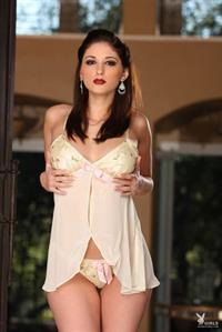 Carlotta Champagne in lingerie
