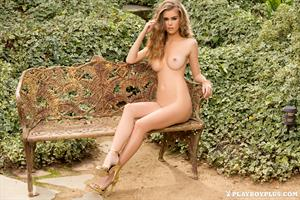 Playboy Cybergirl - Amberleigh West Outside Nude Photoshoot
