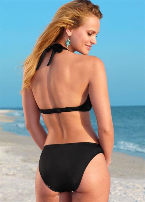 Elisandra Tomacheski in a bikini - ass