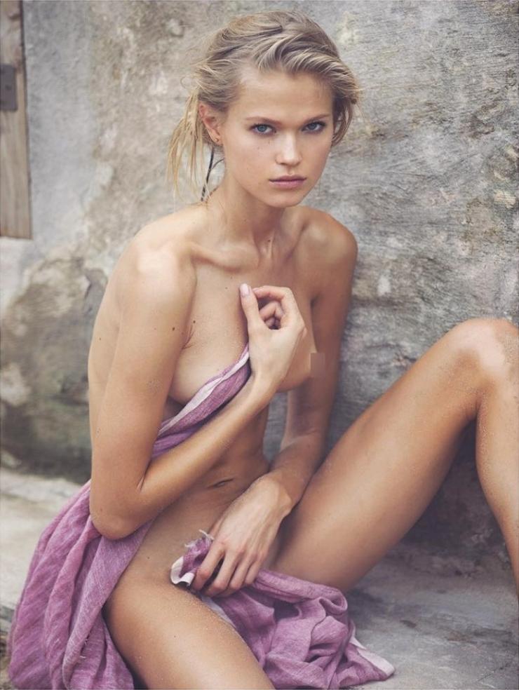 Nude cute
