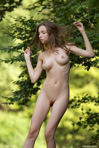 Mariposa - breasts