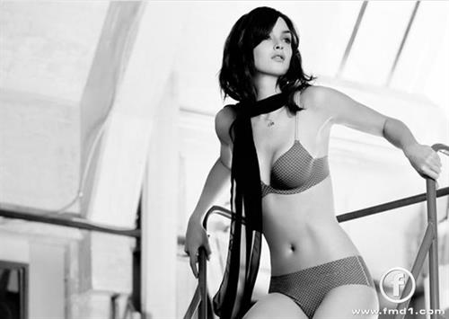 Charlotte Le Bon in lingerie
