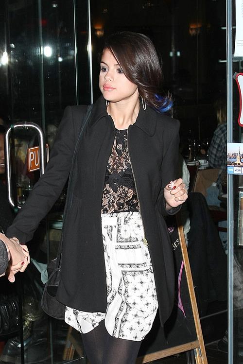 Selena Gomez leaving a restaurant in New York City on December 2, 2012