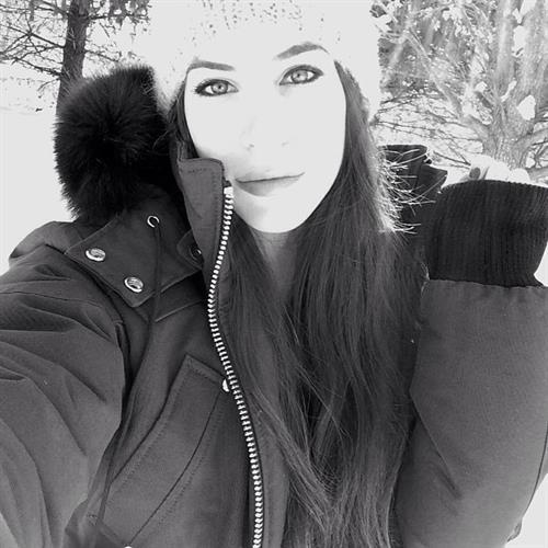 Jen Selter taking a selfie