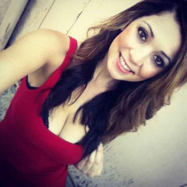 Ali Rose taking a selfie