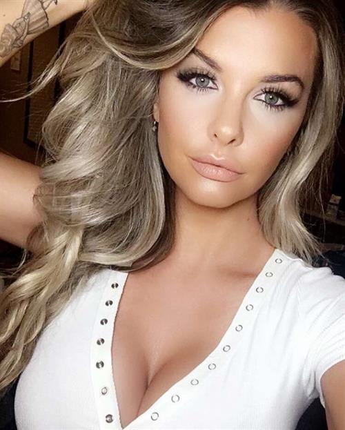 Emily Sears taking a selfie
