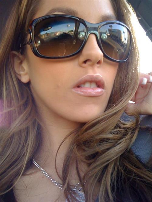 Jenna Haze taking a selfie