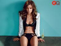Kristen Wiig in lingerie